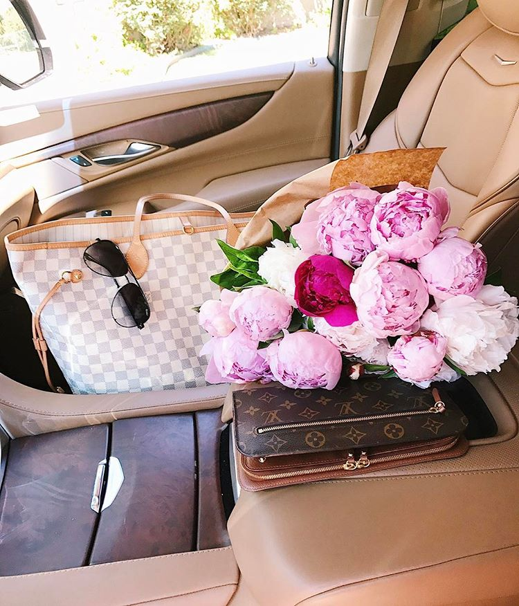 summer fashion pinterest 2017, summer fashion tumblr 2017, emily gemma, the sweetest thing blog, fashion bloggers to follow, emily gemma frontseatsituation, #frontseatsituation, emily gamma's signature picture, peonies in front seat of car, louis vuitton Neverfull GM damier azure