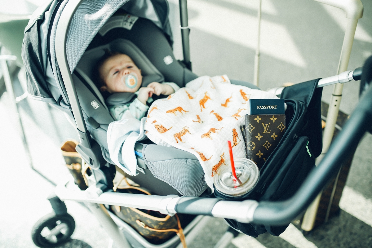 the sweetest thing blog, cute airport travel outfits, pinterest airport outfits, tumblr cute airport outfits, how to travel with a baby, tips for traveling with an infant, best stroller for traveling with an infant