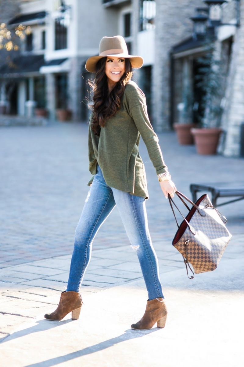 8 Cute Fall Outfits featured by top US fashion blogger, Emily Gemma of The Sweetest Thing