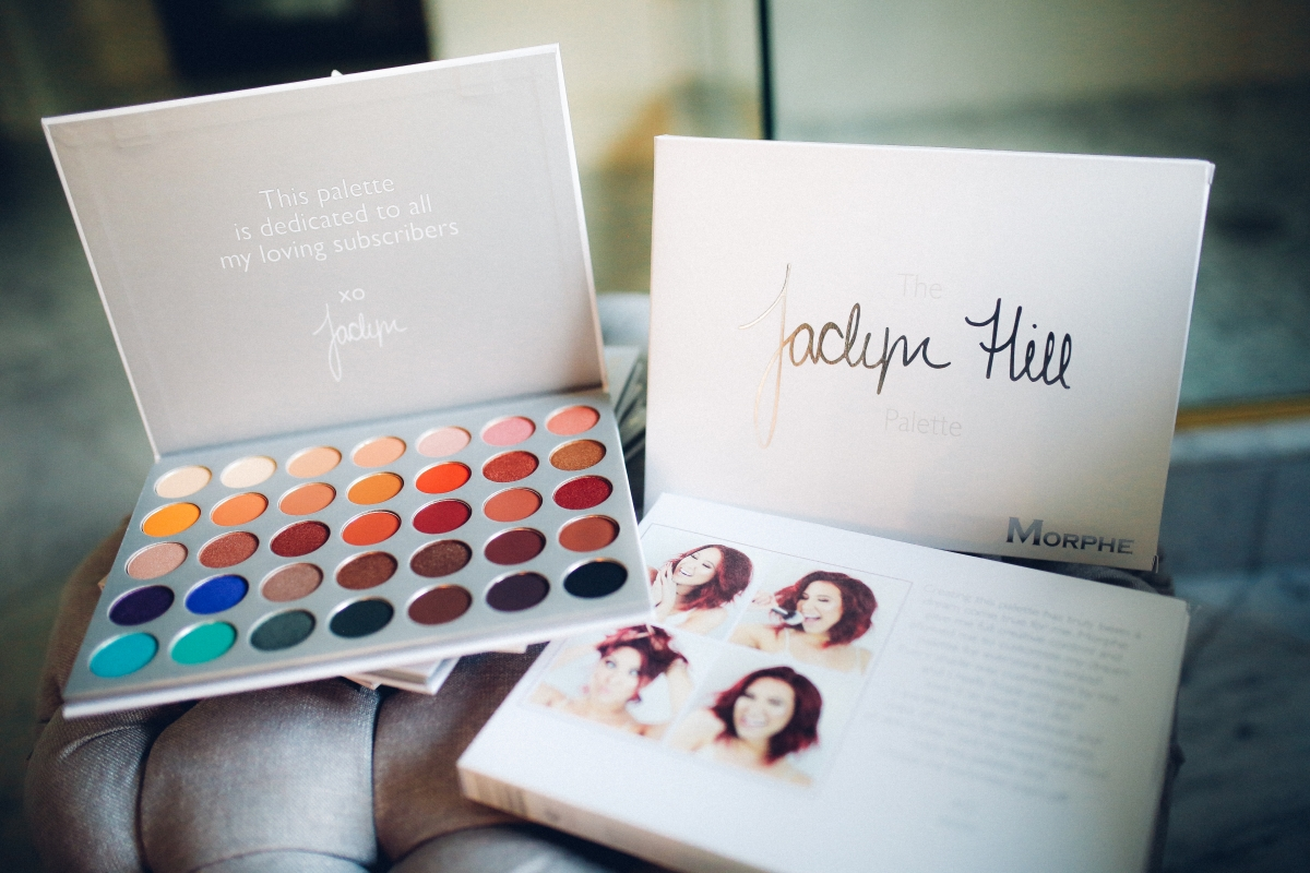Jaclyn Hill Morphe Palette review, Jaclyn hill morphe palette giveaway, emily gemma blog, the sweetest thing blog, emily gemma airport travel style, cute airport travel style, best colors in jaclyn hill palette, cute airport fashion, airport travel style