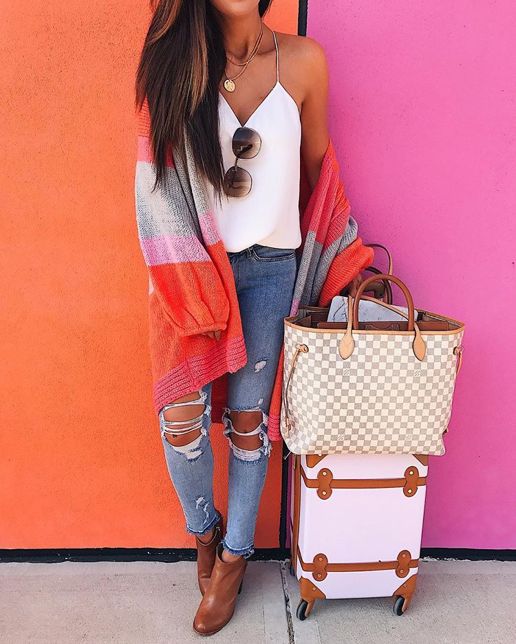 Easy and Cute Travel Outfits featured by top US fashion and travel blogger, Emily Gemma of The Sweetest Thing.