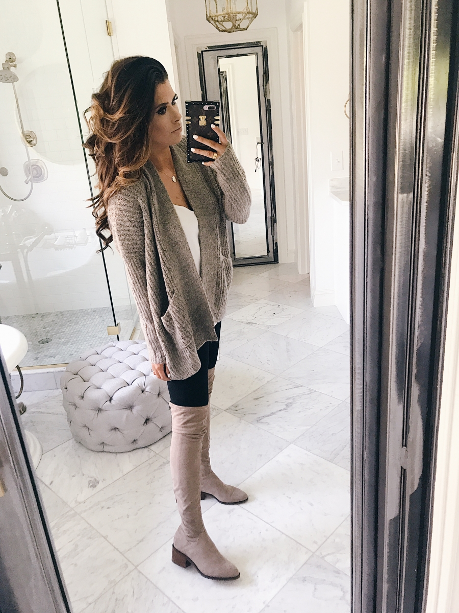 16 Thanksgiving Outfit Ideas featured by top US fashion blogger, Emily Gemma of The Sweetest Thing: cute fall thanksgiving outfitt 2017, cute fall pinterest outfit sweater and jeans, emily ann gemma, the sweetest thing blog, all black outfit pinterest, easy cute casual womens outfit fall pinterest tumblr thanksgiving, fashion blogger fall outfits pinterest, Louis vuitton Poppincourt MM bag outfit,