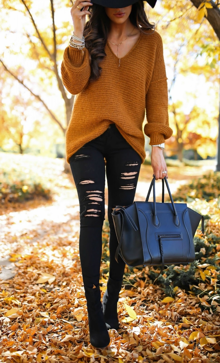 16 Thanksgiving Outfit Ideas featured by top US fashion blogger, Emily Gemma of The Sweetest Thing:cute fall thanksgiving outfitt 2017, cute fall pinterest outfit sweater and jeans, emily ann gemma, the sweetest thing blog, all black outfit pinterest, easy cute casual womens outfit fall pinterest tumblr thanksgiving, fashion blogger fall outfits pinterest, celine phantom black, ripped black jeans and tan sweater outfit pinterest tumblr, fashion and travel blogger in denver