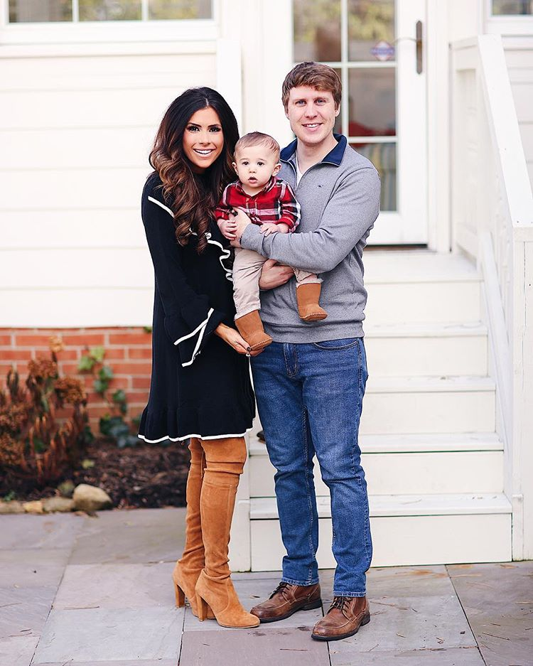 emilyanngemma instagram fall outfits, cute fall christmas holiday outfits