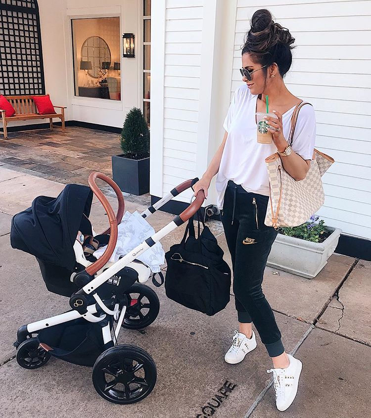 mommy fashion blogger, mom outfit idea, quinny rachel zoe stroller carseat, nike velvet jobbers