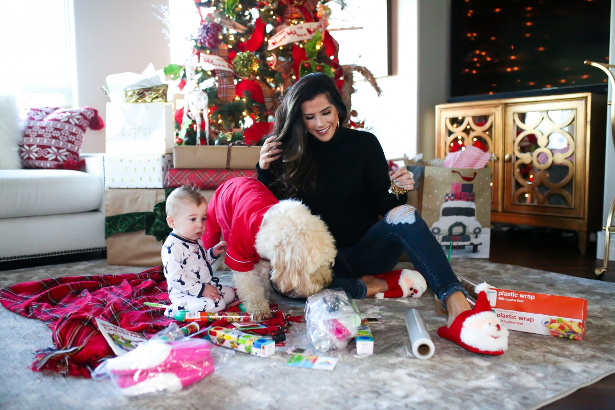 saran wrap christmas game, emily ann gemma, the sweetest thing blog home, #blogmas, quartz cambria brittanica, sarap wrap ball game directions