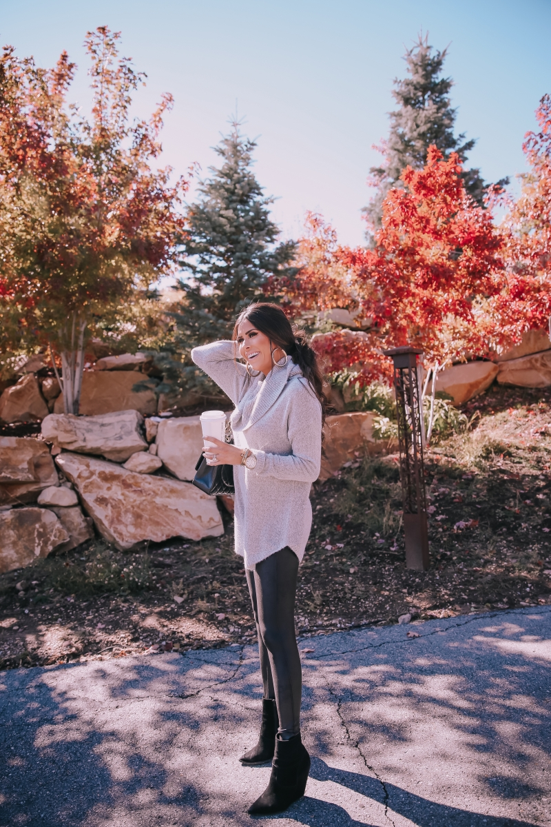 Fall fashion pinterest 2018, fall outfits leggings with oversized sweaters pinterest 2018, emily ann gemma, Chanel Maxi Classic Black, cute womens fall outfit idea 2018-3