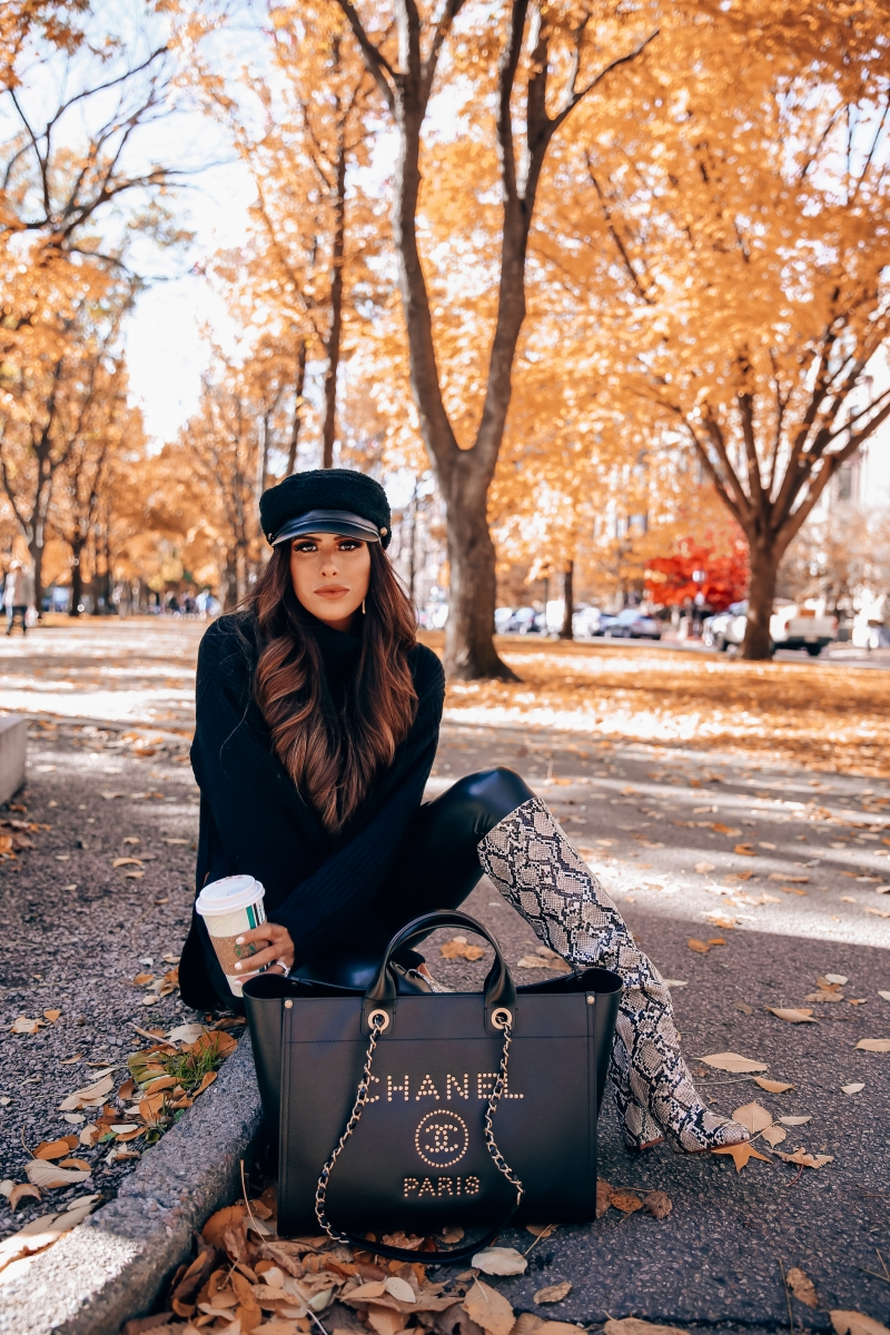 Fall fashion pinterest 2018, cute fall outfit idea leather leggings pinterest 2018, oversized sweater with leggings cute outfit