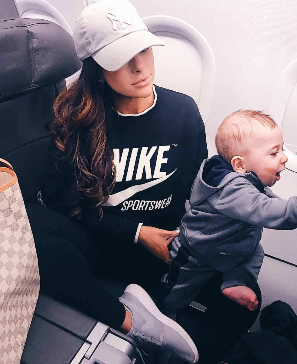emily-ann-gemma-instagram-flying-with-baby-tips, travel style airport fashion pinterest fall 2018