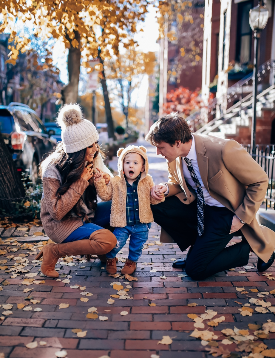 pinterest fall family outfit idea 2018, womens fall fashion pinterest, christmas card fall family outfit 2018, family photo idea 2018 pinterest, burberry tie, emily ann gemma, boston travel blogger,