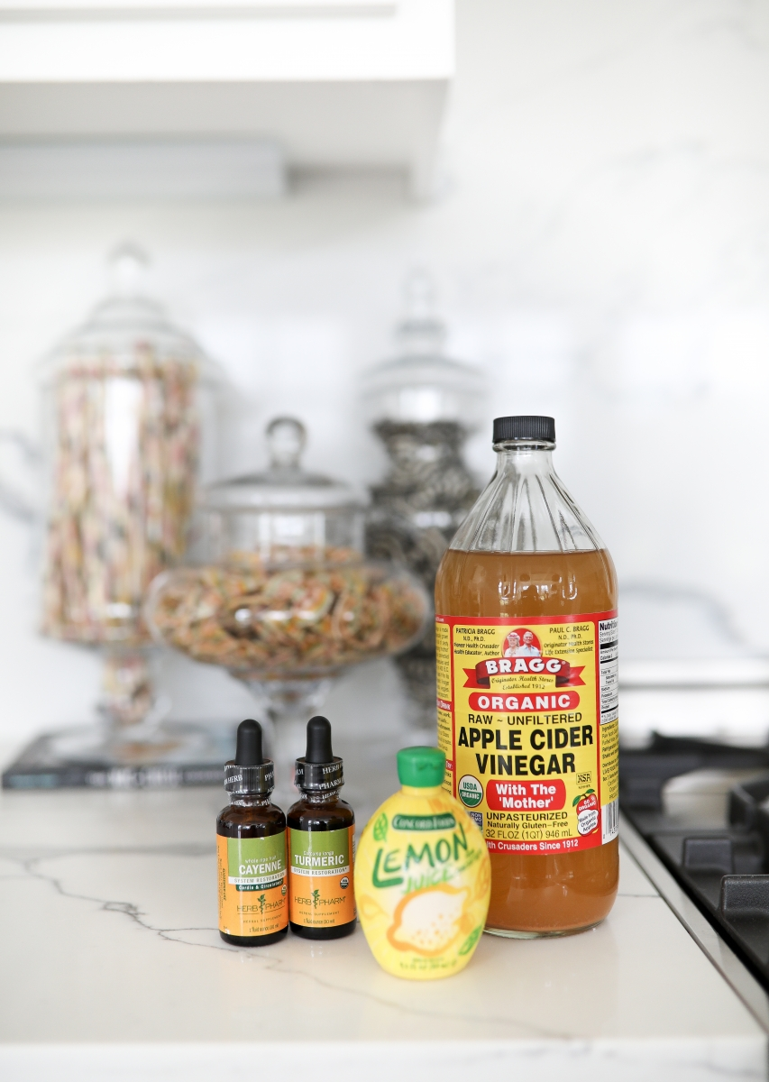 apple cider vinegar benefits, apple cider vinegar drink weight loss, apple cinder vinegar shot, cayenne lemon tumeric apple cider, emily gemma-2