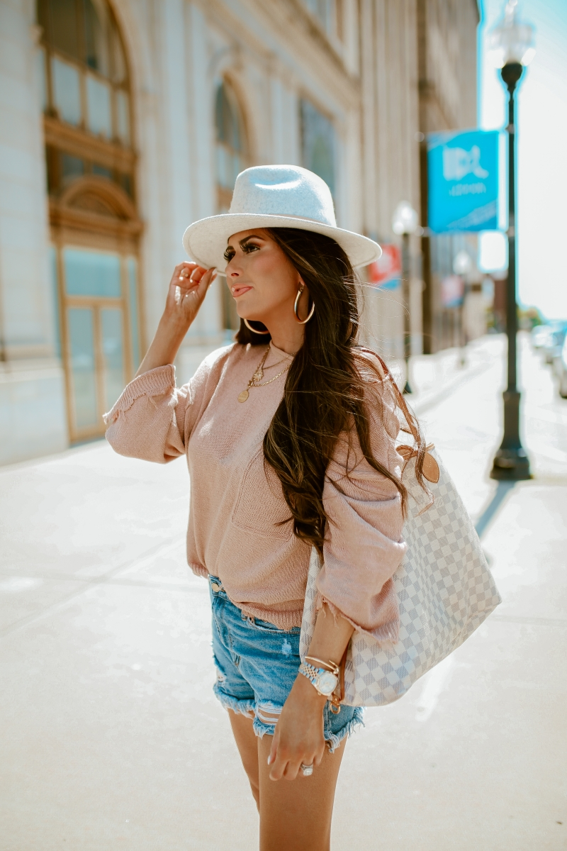 fall fashion pinterest 2019, fall outfits oversized sweater and hat, louis vuitton neverfull GM damier Azur, Lack of color hat, emily gemma-6