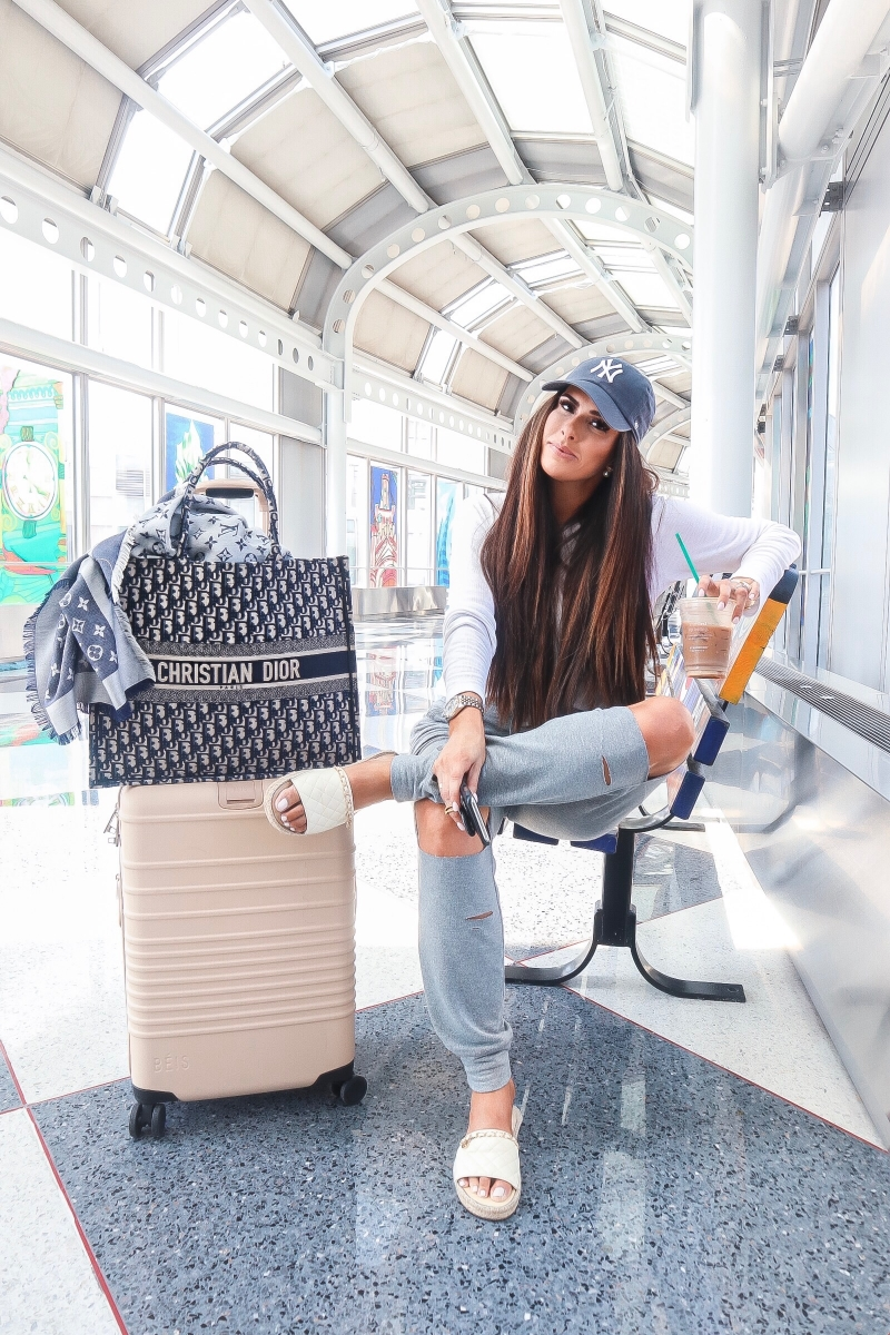 cute airport fashion fall 2019 pinterest, beis luggage review, christian dior book tote reivew