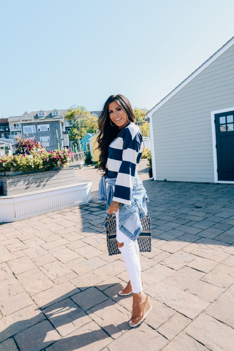 cute fall fashion outfits pinterest 2019, Dior Book Tote Bag oblique navy, Bar Harbor Maine, emily gemma, Fall Fashion 2019, White pants outfits fall 2019