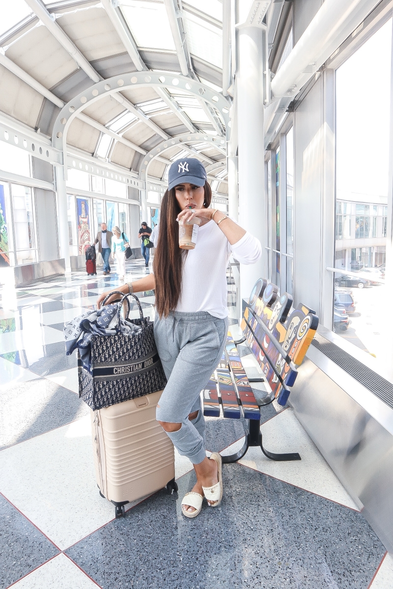 emily gemma travel outfit, pinterest comfortable cute travel outfit