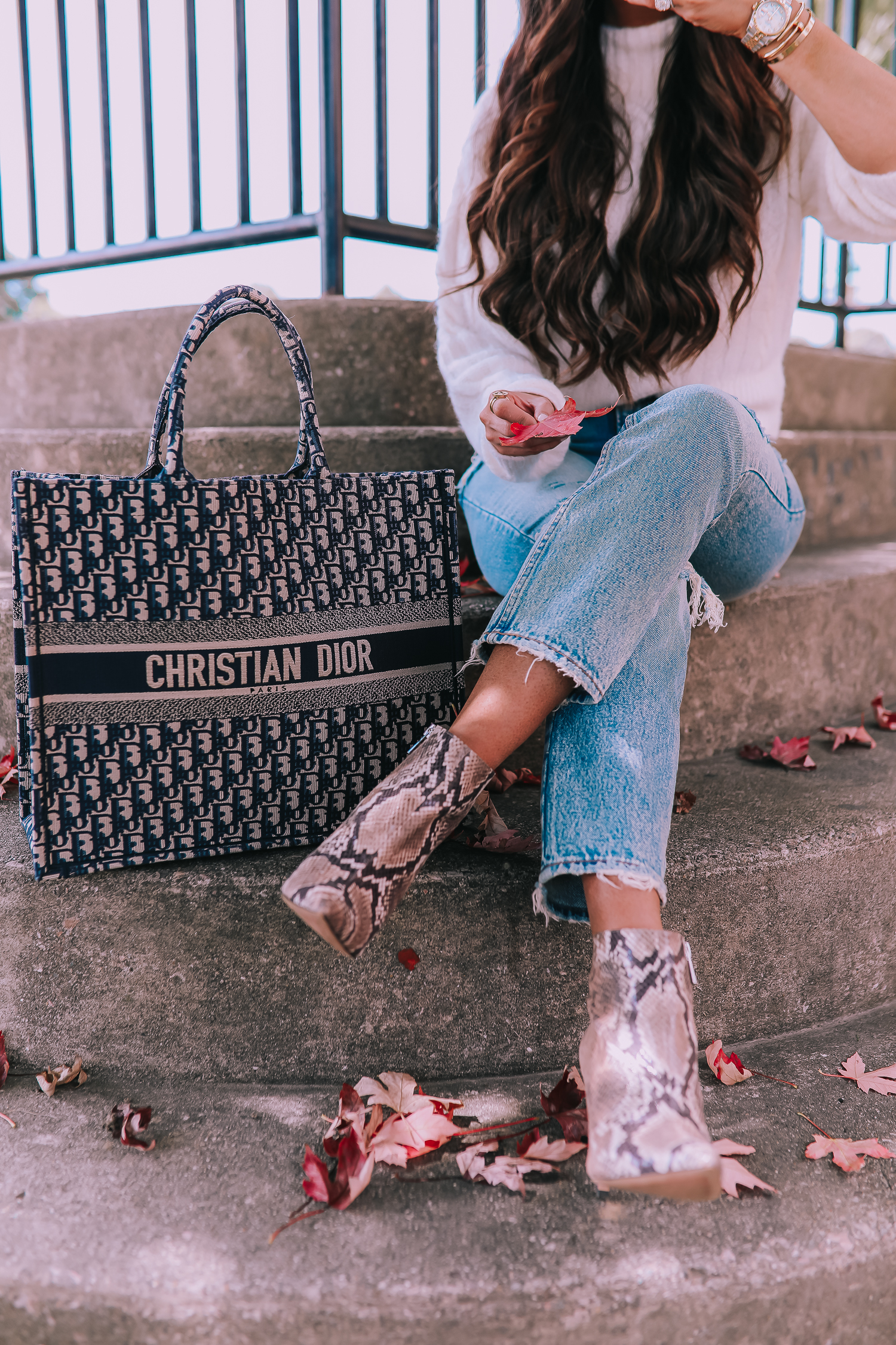 fall fashion outfits pinterest 2019, abercrombie mom jeans, Christian Dior book tote oblique navy, emily ann gemma, jessica simpson snake booties-2