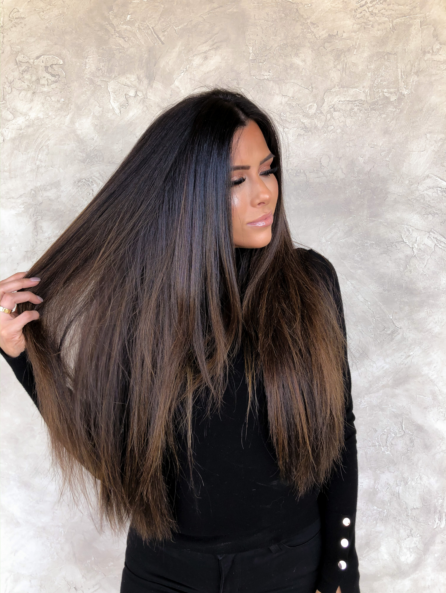 brunette balayage hair extensions, pinterest brunette balayage, Hand tied hair extensions | BEST HAIR PRODUCTS FOR 2019💁🏻‍♀️ || PART 1 by popular US beauty blog, The Sweetest Thing: image of a woman with brunette hair extensions.