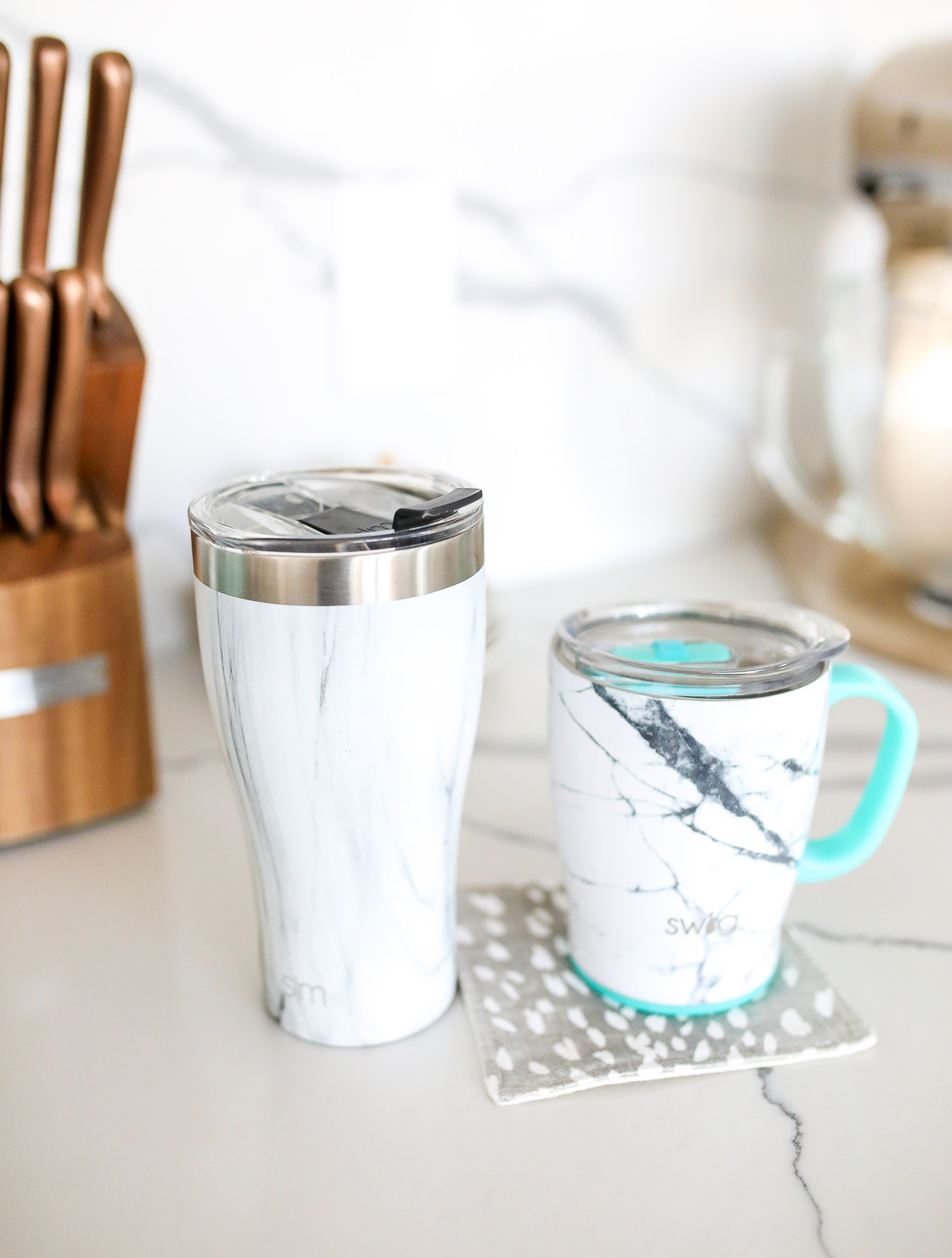 swig marble cup insulated, top amazon must haves, amazon best buys 2020, emily gemma, amazon prime must haves blog post,_-4 | Amazon Prime Favorites by popular US life and style blog, The Sweetest Thing: image of Amazon Prime Swig travel thermos and mug.