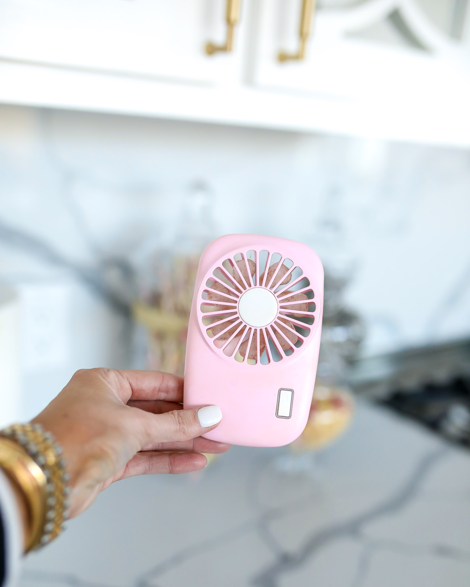travel sized fan Emily Gemma, swig marble cup insulated, top amazon must haves, amazon best buys 2020, emily gemma, amazon prime must haves blog post | Amazon Prime Favorites by popular US life and style blog, The Sweetest Thing: image of a Amazon Prime pink handheld fan.