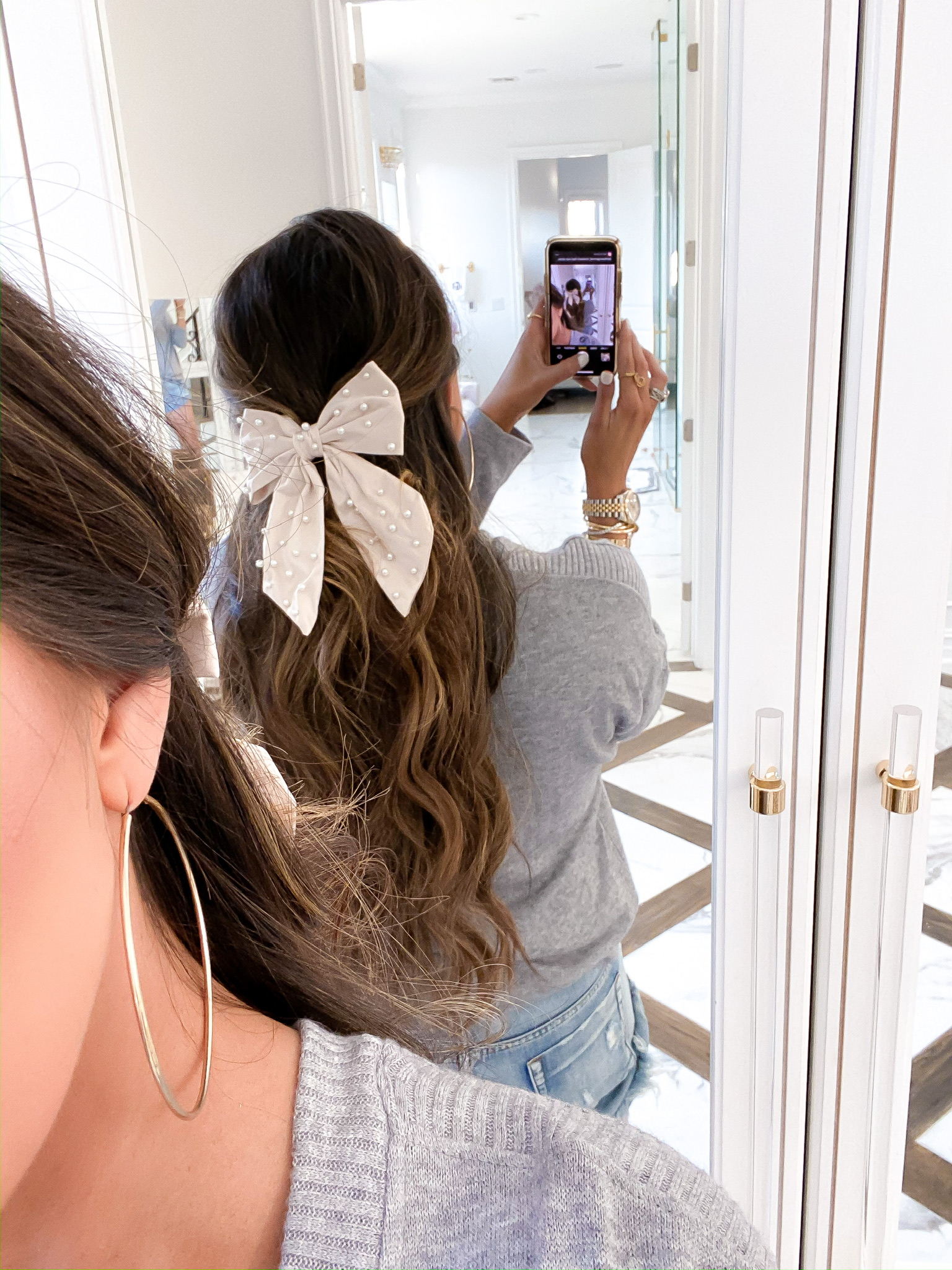 Blogging Newsletter by popular US life and style blog, The Sweetest Thing: image of a woman wearing a velvet and pearl hair bow.