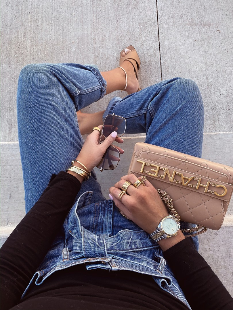Instagram Recap by popular US lifestyle blog, The Sweetest Thing: image of Emily Gemma wearing a Cartier bracelet, Rolex watch, Fendi ring, Nordstrom Paperbag Waist Mom Jeans TOPSHOP, Nordstrom Puff Shoulder Crop Tee ONE CLOTHING, Nordstrom Crystal Pavé Chain Anklet ETTIKA, Nordstrom Skyla Slide Sandal TOPSHOP, Nordstrom 61mm Aviator Sunglasses RAG & BONE, Nordstrom Lip Cheat Lip Liner CHARLOTTE TILBURY, Nordstrom CHARLOTTE TILBURY Hot Lips Lipstick, Main, color, SUPER CINDY DETAILS & CARE What it is: A lipstick created in collaboration with 12 brilliant women that gives lips a full-bodied, ultra-beautiful look to leave a lasting impression. What it does: Its formula is enriched with a secret antioxidant from the Lipstick Tree, a blend of special waxes and clever light-diffusing pigments. Hot Lips shades are available in two different formulations. K.I.S.S.I.N.G. Lipstick leaves lips cashmere soft and irresistible, and Matte Revolution features a matte finish and 3D glow pigments to help make lips appear wider and fuller. Shades: - K.I.S.S.I.N.G. Lipstick shades: Kim K.W., Liv It Up, Hot Emily - Matte Revolution Lipstick shades: Super Cindy, Secret Salma, Tell Laura, Bosworth's Beauty, Carina's Love, Miranda May, Kidman's Kiss, Hel's Bells, Electric Poppy How to use: Use with a matching lipliner for naturally defined lips. Apply straight from the bullet for a quick, easy lipstick slick or use a lip brush for more precision. 0.12 oz. Paraben-free Made in Italy Item #5213535 Free Shipping & returns See more Have Questions? Chat with us or call 1.800.723.2889 (322) Hot Lips Lipstick CHARLOTTE TILBURY, and Nordstrom Gloss Luxe Moisturizing Lipgloss TOM FORD.