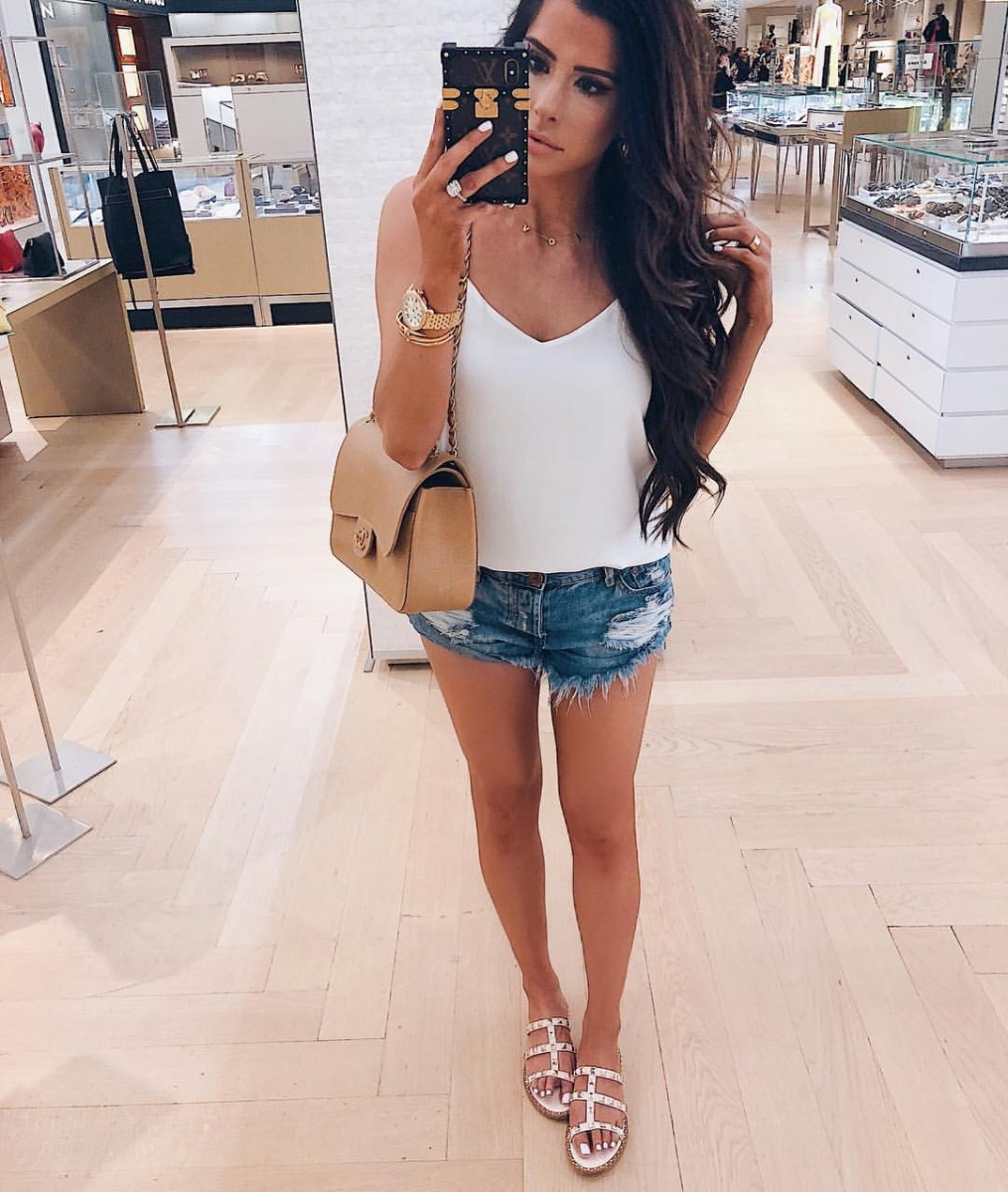 ShopBop Sale by popular US fashion blog, The Sweetest Thing: image of a woman wearing a pair of ShopBop One Teaspoon Hendrix Bandit Shorts.