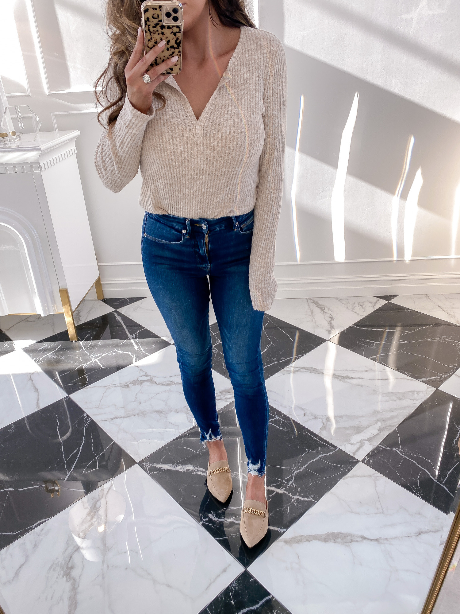 nsale 2020 womens shoes, Nsale 2020 fall outfit must haves | Nordstrom Anniversary Sale by popular US fashion blog, The Sweetest Thing: image of Emily Gemma wearing a pair of Forever Chain Pointed Toe Mule STEVE MADDEN, Good American Good Legs High Waist Raw Hem Skinny Jeans, and Long Sleeve Thermal Henley Top SOCIALITE.