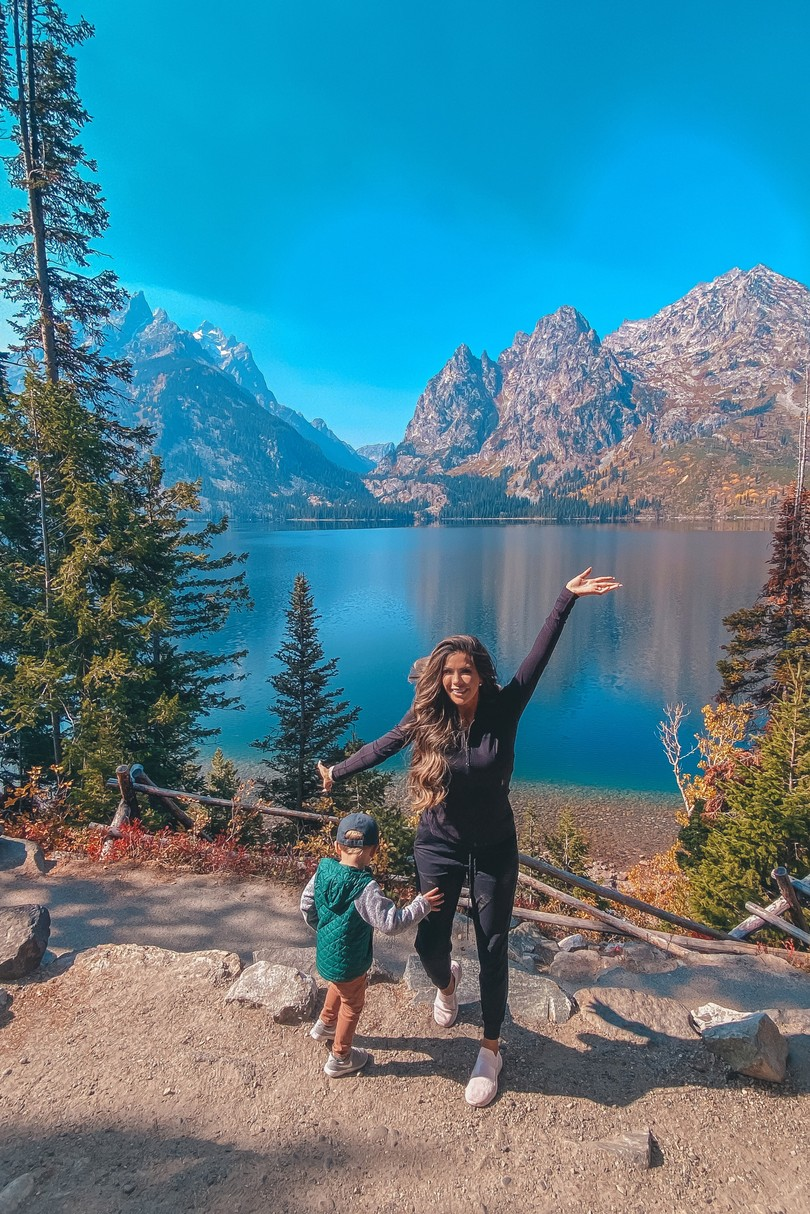 what to wear to Jenny lake in the fall, best workout gear 2021, Jenny lake photos